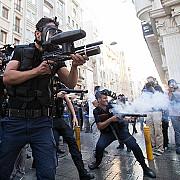 proteste violente la istanbul dupa arestarea a 9 jurnalisti de opozitie