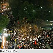 mii de americani protesteaza impotriva lui donald trump