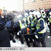confruntari intre manifestanti neonazisti si antifascisti in suedia politia a efectuat mai multe arestari