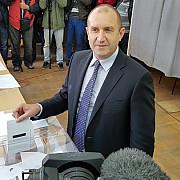 prorusul rumen radev noul presedinte al bulgariei