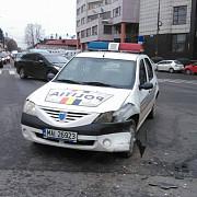 o masina de politie a fost implicata intr-un accident in centrul ploiestiului