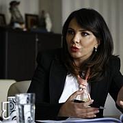 sefa autoritatii electorale permanente a fost ridicata de dna sotul ei incercase sa fuga cu documente