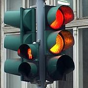 sistemul inteligent de semaforizare din bucuresti e facut prost primarita firea anunta noi investitii