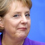 angela merkel si-a anuntat oficial candidatura pentru cel de-al patrulea mandat de cancelar al germaniei