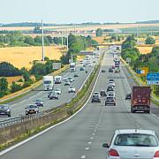 talhari de autostrada in franta doua femei din qatar au fost jefuite de 5 milioane de euro