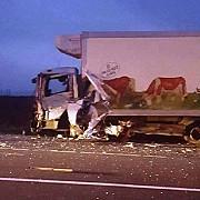vrancea patru morti si trei raniti grav dupa ce un microbuz s-a ciocnit cu un camion de marfa