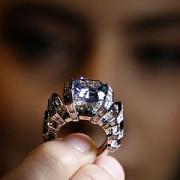 sky blue diamantul albastru de 25 de milioane de dolari va fi scos la licitatie