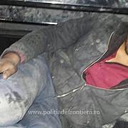 pakistanez ascuns sub un camion pe roata de rezerva prins la ostrov cand incerca sa intre in tara