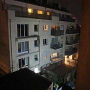 franta patru persoane au decedat dupa ce balconul supraaglomerat in care se aflau s-a prabusit