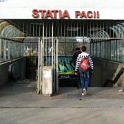 un barbat a murit dupa ce a cazut pe scari la statia de metrou