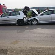accident la blejoi doua autoturisme implicate