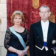 majestatea sa regele mihai i implineste azi 95 de ani