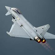 marea britanie trimite avioane typhoon in romania