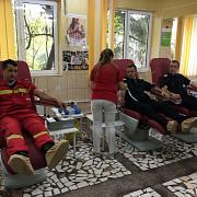 120 de pompieri prahoveni doneaza sange