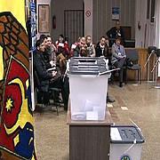 11 sectii de votare sunt deschise in romania pentru alegerile prezidentiale din republica moldova