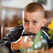 proiect copiii sub 16 ani nu au voie sa cumpere sucuri care contin zahar