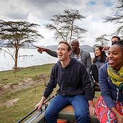 mark zuckerberg ii incurajeaza pe nigerieni sa invete programare