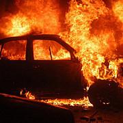 masina unor romani a fost incendiata in italia al patrulea automobil apartinand unor straini distrus in zona