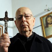 fostul exorcist-sef al bisericii catolice a decedat