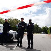 atac armat la un supermarket din franta doua persoane au fost grav ranite