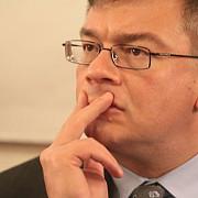 mihai razvan ungureanu a demisionat din functia de director al sie