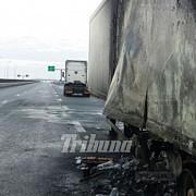 camion in flacari pe autostrada a1 circulatia a fost deviata