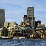 piata imobiliara londoneza inregistreaza cea mai mare scadere dupa criza financiara de acum opt ani