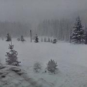 strat consistent de zapada in multe zone din transilvania meteorologii anunta ca precipitatiile se vor opri la noapte dar vine frigul