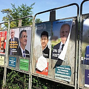 aproape 47 de milioane de francezi sunt asteptati sa voteze in primul tur al alegerilor prezidentiale cu 11 candidati in lupta pentru palatul elysee