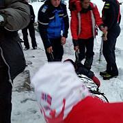 echipele de salvare vor urca pe munte duminica pentru a recupera trupurile celor doi copii alpinisti morti in avalansa din retezat