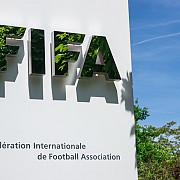 fifa romania amendata cu 8000 de franci elvetieni din cauza comportamentului spectatorilor la meciul cu danemarca