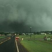 sua cinci persoane si-au pierdut viata dupa ce trei tornade au devastat texas