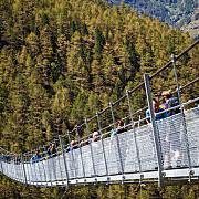 cel mai lung pod pietonal din lume inaugurat in elvetia