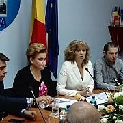 gratiela gavrilescu ministrul mediului domnule primar aveti 30 de milioane de euro la dispozitie pentru a cumpara tramvaie noi