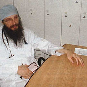 calugarul-medic care ofera consultatii gratuite la manastire de langa ploiesti