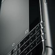 blackberry prezinta ultimul telefon produs de propria divizie hardware