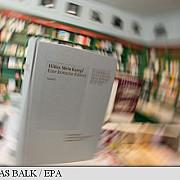 o editie comentata a mein kampf a lui adolf hitler mare succes editorial in germania