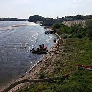 un ucrainean a fost retinut de politistii de frontiera dupa ce a traversat dunarea inot