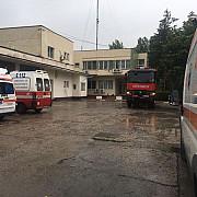 ambulanta prahova inundata din cauza ploii torentiale medicii au evacuat apa cu maturile