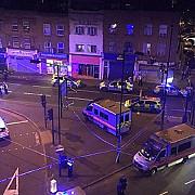 un mort si opt raniti dupa ce o masina a lovit un grup de pietoni la moscheea finsbury park din londra
