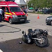 campina motociclist lovit de un autoturism foto