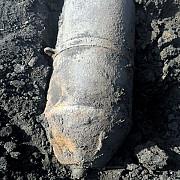 bomba de aviatie de 250 kilograme detonata de pirotehnisti chiar in locul unde a fost descoperita