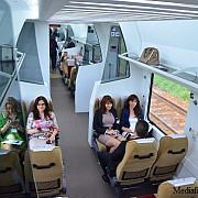 trenul privat care ajunge la mare in 2 ore este dotat cu aer conditionat si wi-fi
