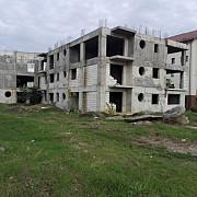 licitatie pentru finalizarea blocurilor abandonate de langa gara de vest