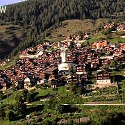 un sat din elvetia ofera 70000 de franci familiilor care vor sa se mute