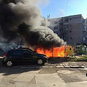 trei masini au ars in tulcea dupa ce un trecator si-a aruncat tigara in gunoi