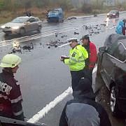 accident pe dn1 la nistoresti 3 persoane au ajuns la spital foto