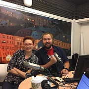 o cunoscuta jurnalista din rusia injunghiata in gat