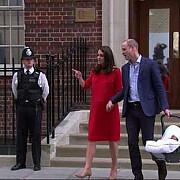 ducele si ducesa de cambridge l-au prezentat public pe cel mai mic membru al familiei regale - foto