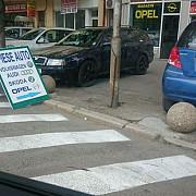 bolarzii nu impiedica parcarea ilegala in centrul ploiestiului politia locala doarme